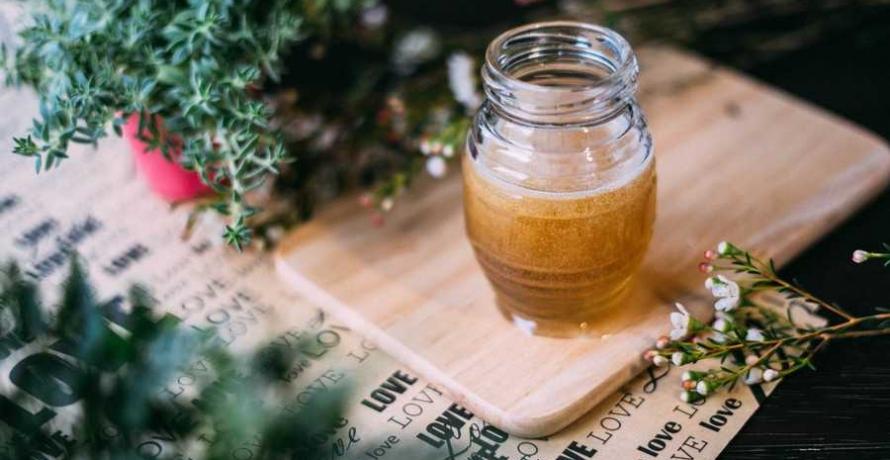 דבש עם צמחי מרפא